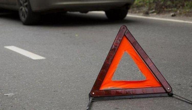 Cəlilabadda traktorla toqquşan minik avtomobilinin sürücüsü hadisə yerində ölüb