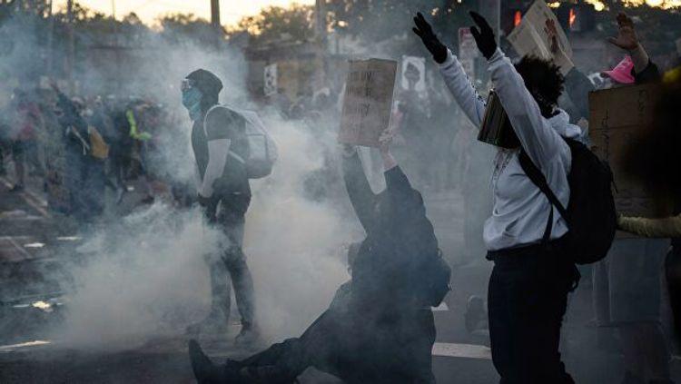 В Чикаго задержали 240 протестующих
