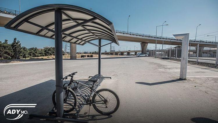 ADY yeni tikiləcək dəmir yolu stansiyalarını velosiped dayanacaqları ilə təmin edəcək