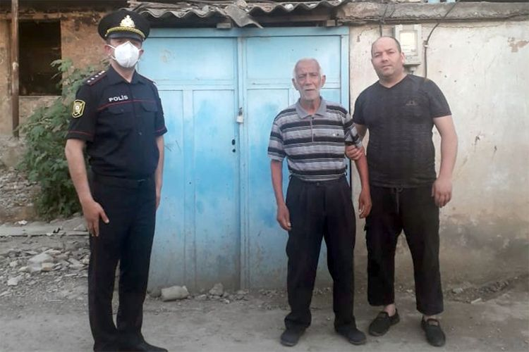 Samuxda polisin tapdığı yaşlı kişi ailəsinə təhvil verilib - FOTO - YENİLƏNİB