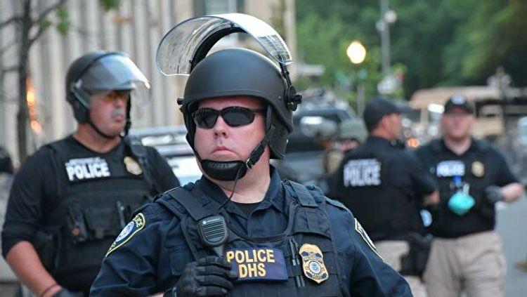 Трамп потребовал увеличить финансирование полиции в США