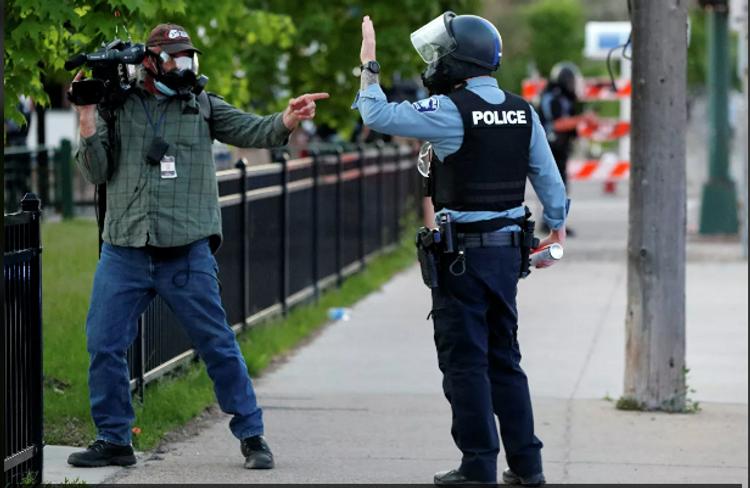 Американские правозащитники сообщили о 328 инцидентах с журналистами