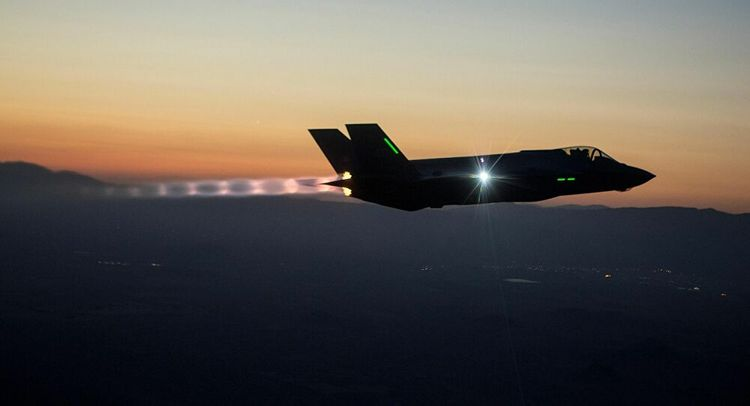 F-35 Collapses at US Air Base after landing gear failure, probe launched