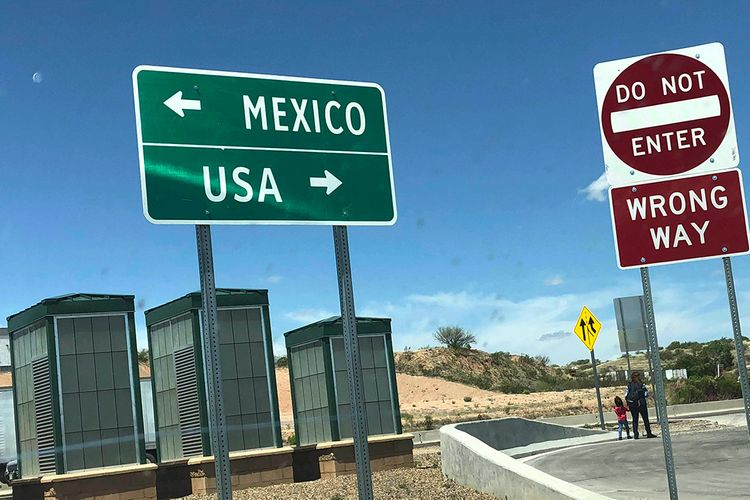 Mexico foreign ministry: Mexico and U.S. extend border travel ban for 30 days