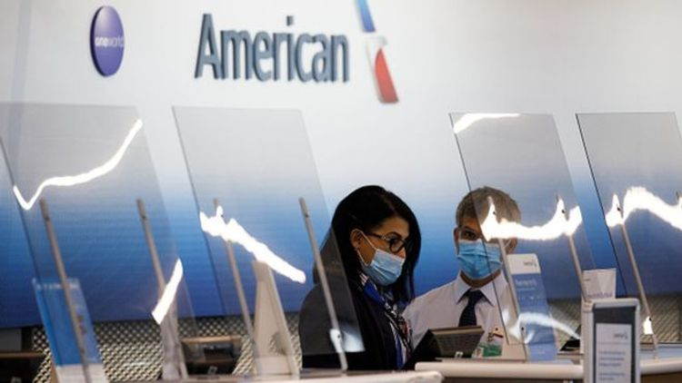 American Airlines passenger removed for not wearing mask
