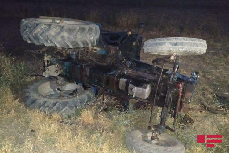 Bərdədə yeniyetmə traktorun altında qalaraq ölüb - FOTO