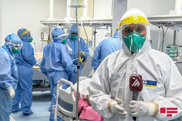 """Bellicose patients, selfless doctors: They """"fight"""" together against COVID-19 - <span class='red_color'>PHOTOSESSION</span>"""