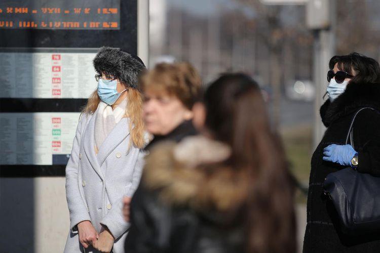Bulgaria makes face masks compulsory again