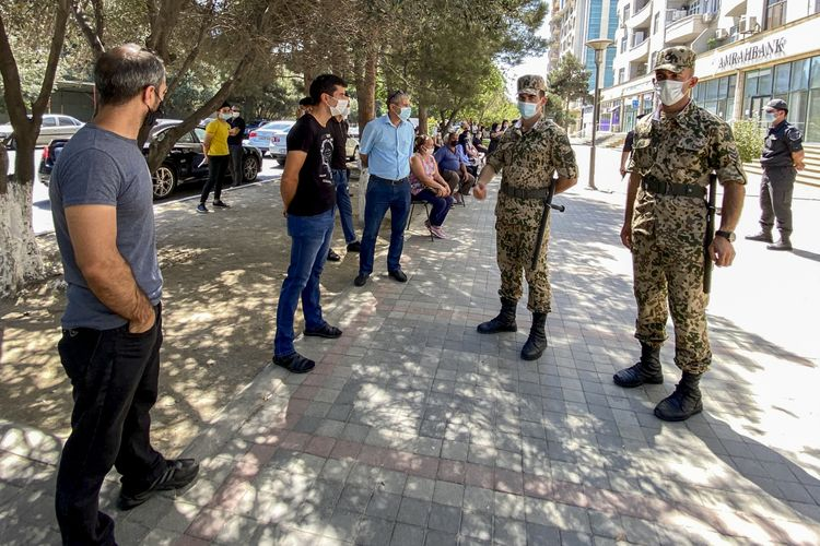 Sumqayıtda karantin qaydalarını pozan 9 nəfər həbs edilib - VİDEO