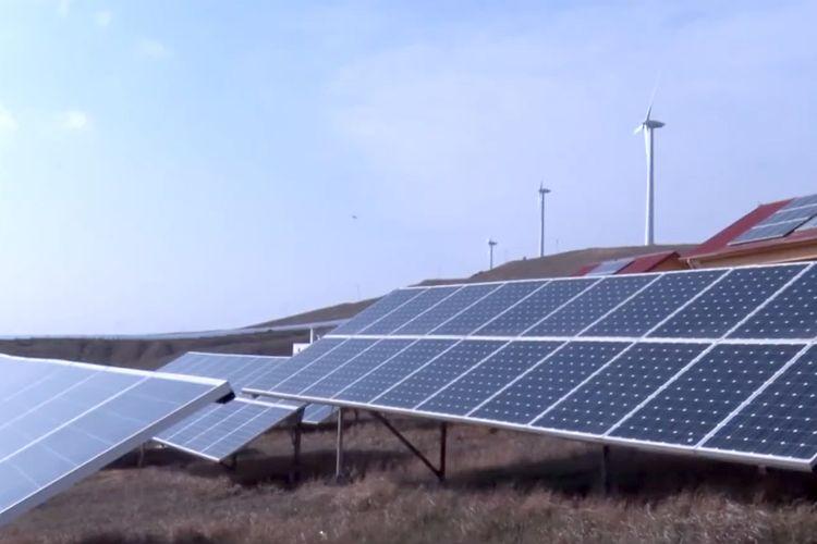 Pirallahı adasındakı məktəb günəş enerjisi hesabına işıqlandırılır - VİDEO