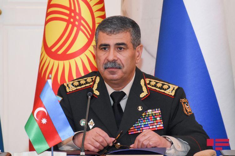 Закир Гасанов поздравил личный состав по случаю 102-й годовщины создания азербайджанской армии