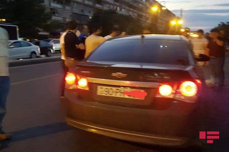 Bakıda anasının doğum gününə gedən qızı avtomobil vurub - FOTO