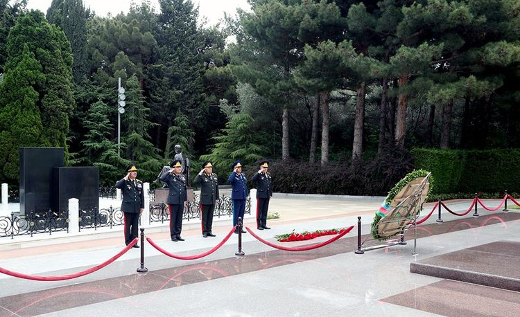 Leadership of the Ministry of Defense of Azerbaijan visited Alley of Honor and the Alley of Shehids