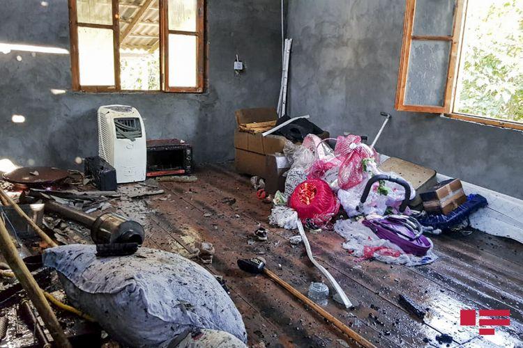 Göyçayda ev yanıb   - FOTO