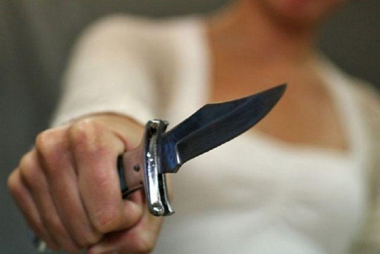 В Загатале женщина ударила ножом возлюбленного