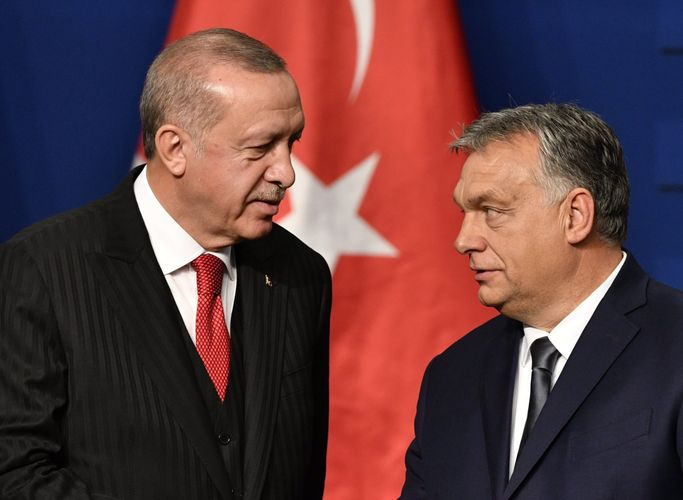 Erdogan to Orbán: Turkey Could No Longer Contain Displaced Syrians It Taken In