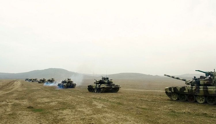 The troops involved in the exercises move to the operational areas  - <span class=
