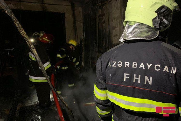 Fire hits Baku Oil Service Center in Baku - <span class=