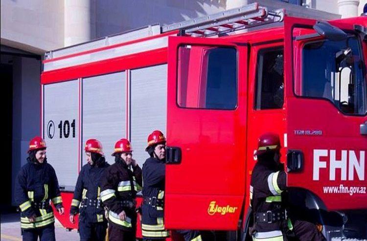 В Сумгайыте сгорел двухэтажный дом