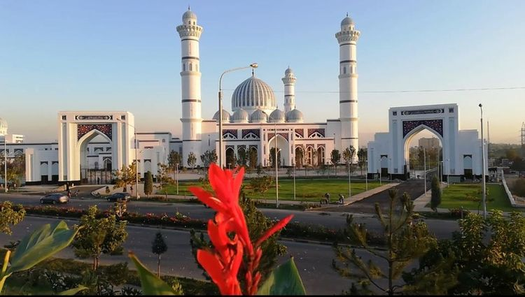 Tajikistan shuts all mosques over coronavirus fears