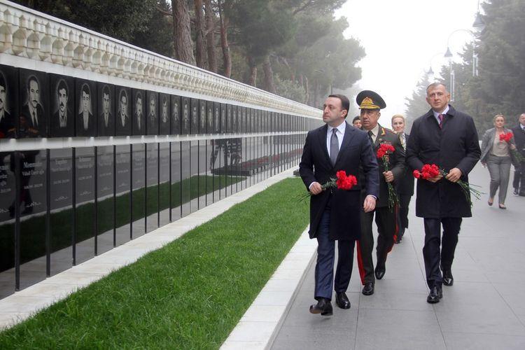 Azerbaijan and Georgian Defense Ministers held a meeting in Baku - <span class='red_color'>VIDEO</span>