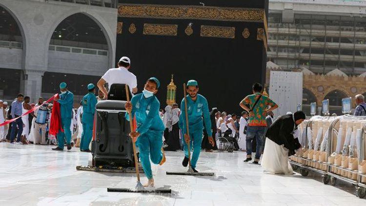 Saudi Arabia reopens Mecca, Medina holy sites after coronavirus closure