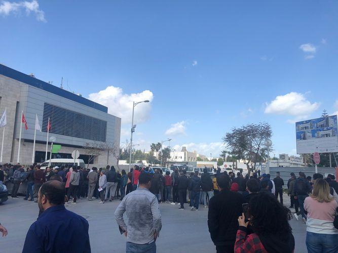 Tunisdə ABŞ səfirliyinin yaxınlığında terrorçu-kamikadze özünü partladıb, 5 nəfər yaralanıb