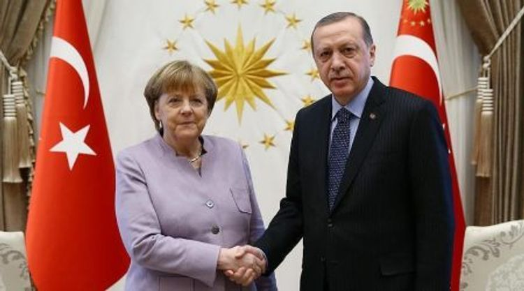 Türkiyə Prezidentilə Almaniya kansleri arasında telefon danışığı olub