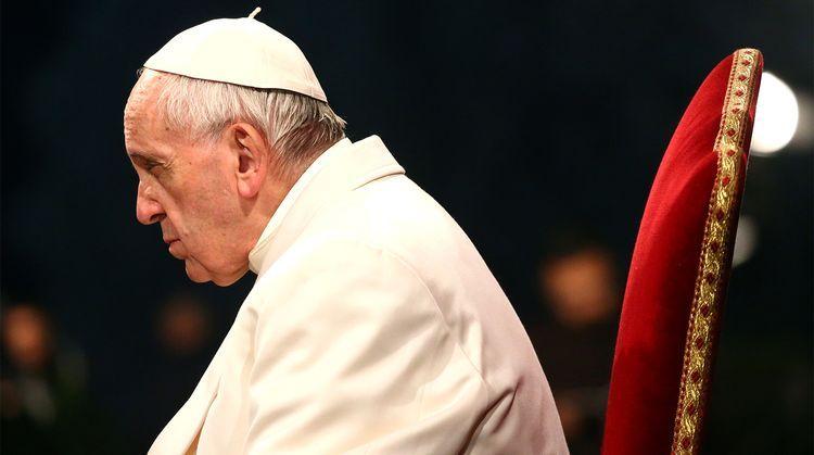 Papa sosial şəbəkə fanatlarının daxilən ölü olduğunu düşünür