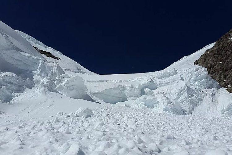 В Австрии пять человек погибли при сходе лавины