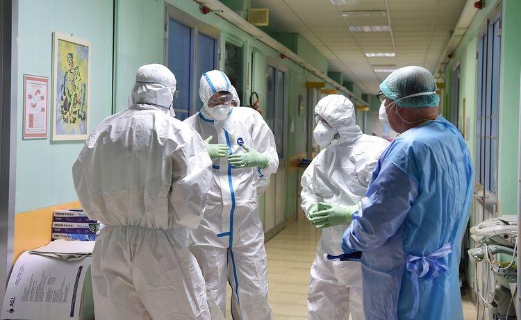 Италия вышла на первое место в мире по смертности от коронавируса