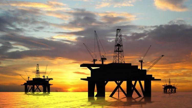 Нефть марки Azeri Light подешевела более чем на 10 долларов