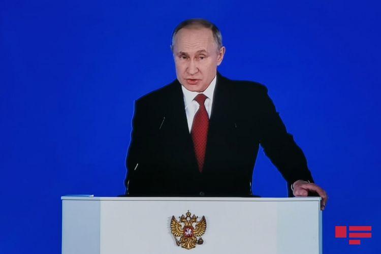 Putin səlahiyyət müddətinin uzadılması ilə bağlı təklifə qarşı çıxıb