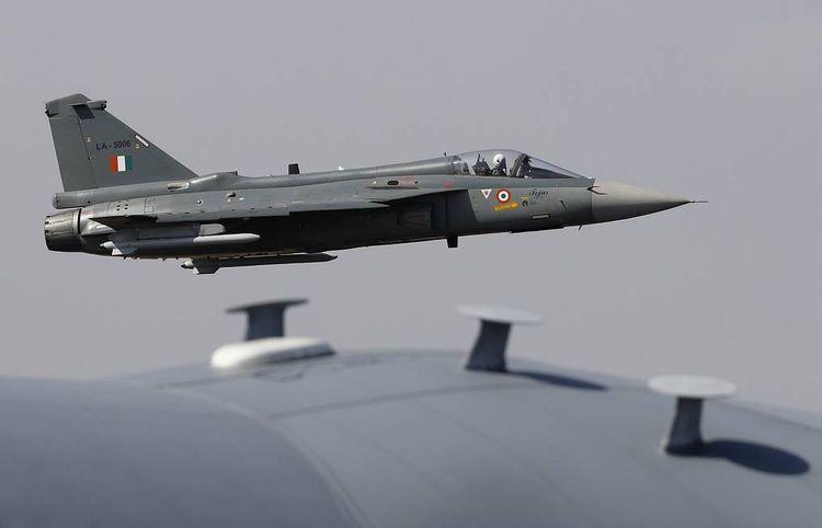 Pakistani airforce plane reportedly crashes in Islamabad