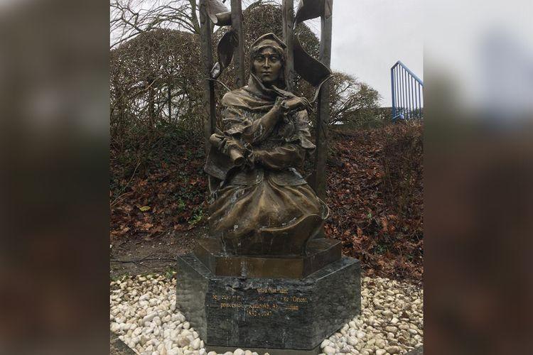 Restoration of Natavan's monument in Belgium which exposed to vandalism, started