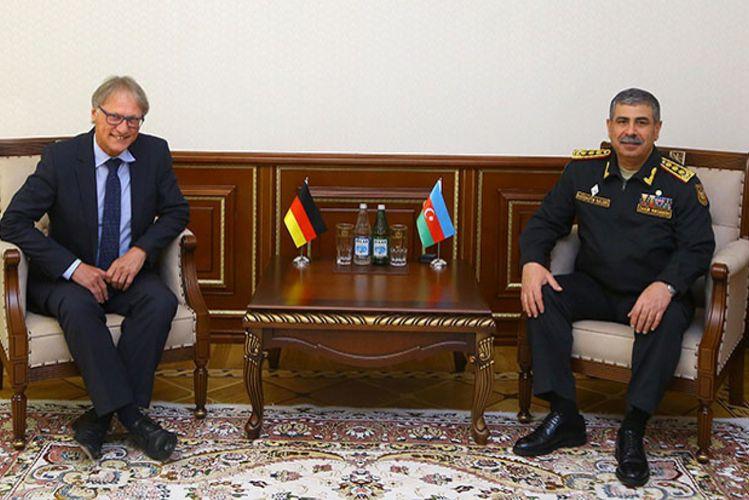 Azərbaycanla Almaniya arasında hərbi əməkdaşlıq sahəsində yeni layihələr həyata keçiriləcək