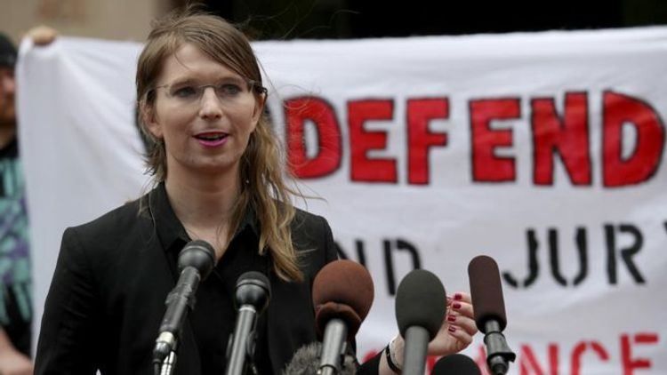 US judge orders release of ex-intelligence analyst Chelsea Manning, held for refusing to testify in Wikileaks probe