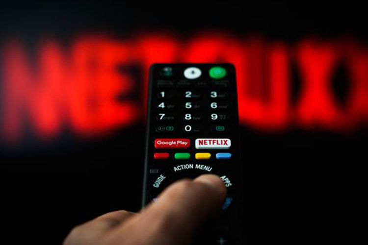 """""""Netflix"""" koronavirusla əlaqədar çəkilişləri dayandırıb"""
