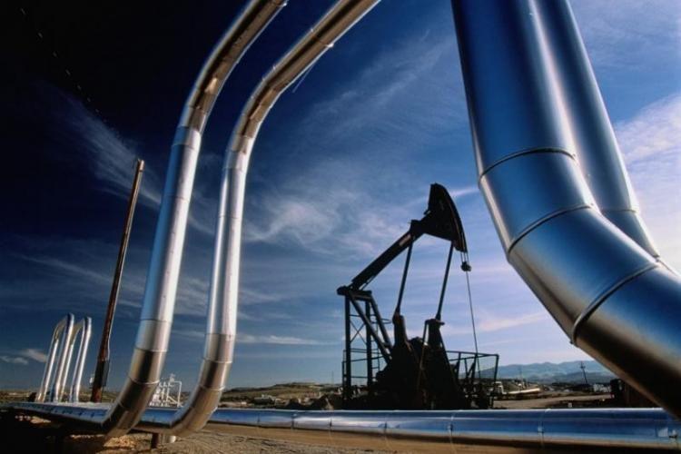 Нефть марки Azeri Light  подешевела более чем на 11%