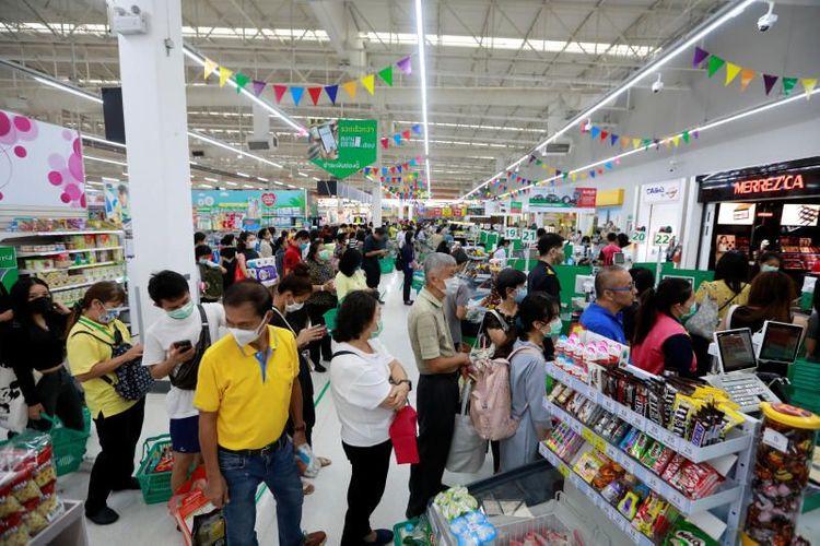 Thailand to postpone New Year holiday, close schools to curb coronavirus
