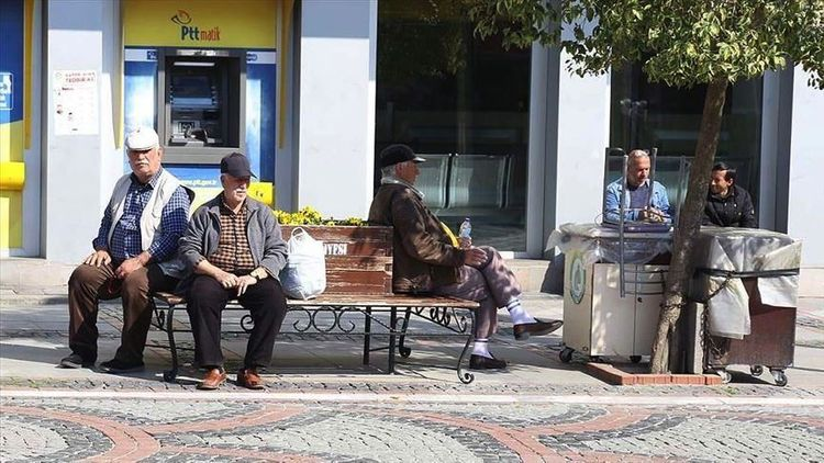 Turkish citizens who are older than 65 are restricted from leaving home
