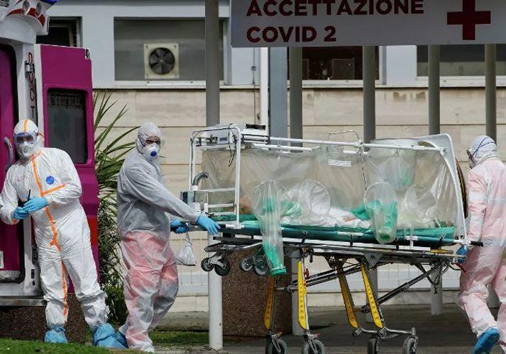 İtaliyada son bir gündə 743 nəfər koronavirusdan ölüb