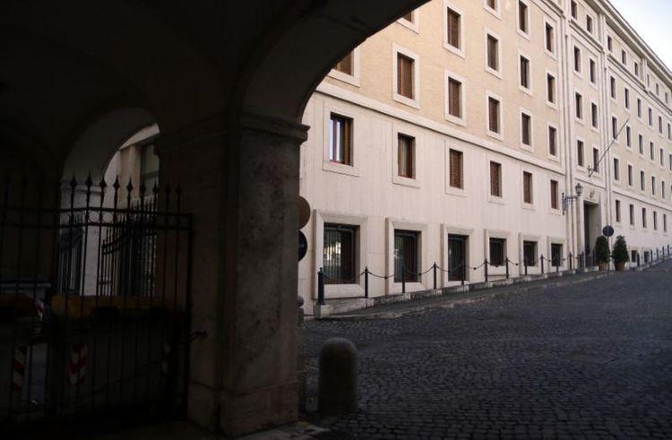 Vatican readies contingency plan against coronavirus in busy papal residence