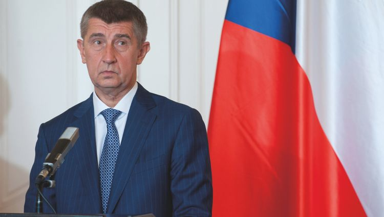 Czech PM calls on Trump to introduce obligatory mask wearing to curb COVID-19 spreading