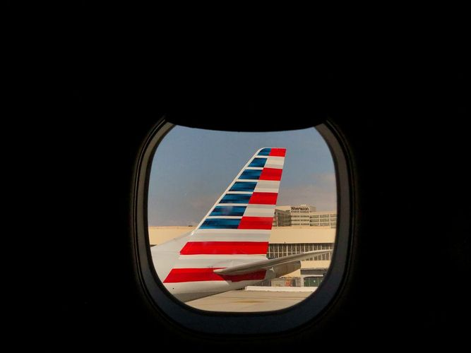 American Airlines in talks to hire Millstein for aid advice