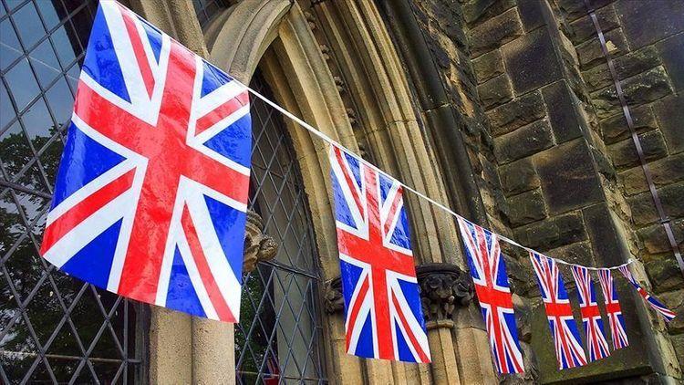 UK's top COVID-19 adviser resigns