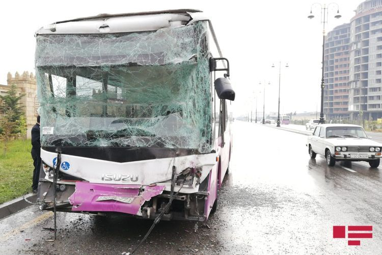 Collision of two buses in Azerbaijan's Sumgait leaves 14 injured - <span class='red_color'>VIDEO</span> - <span class='red_color'>UPDATED</span>