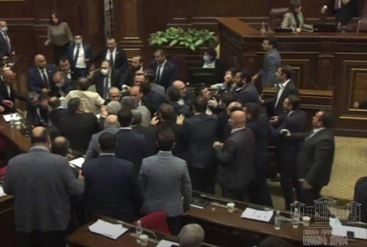 Brawl occured in Armenia's parliament  - <span class=