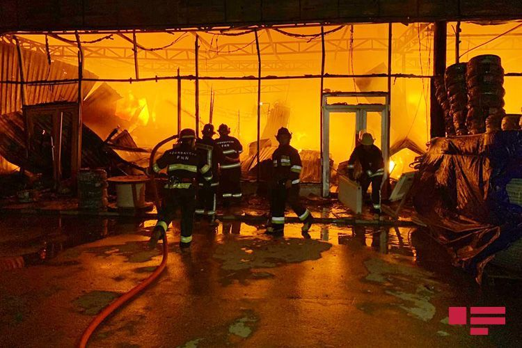 """Azerbaijani MES: """"Reason of fire at EuroHome building materials market being investigated"""""""