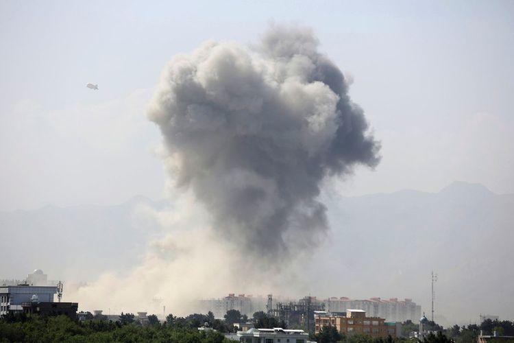 Explosion at entrance to Kabul hospital, militants enter building
